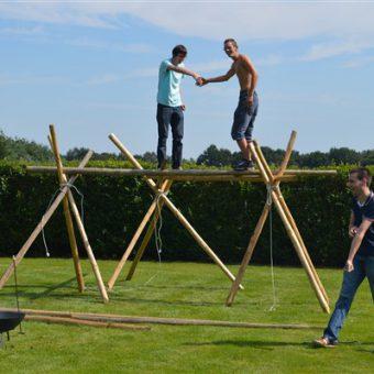 Outdoor teambuilding op het Drentse platteland.