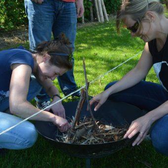 Teamuitje of bedrijfsfeest vol met uitdagende en actieve outdoor activiteiten.