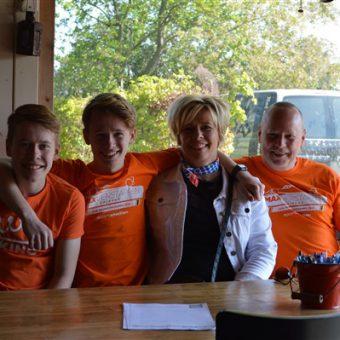 Koningsdag uitje 2021 in Drenthe 13 - Het Drents Kwartiertje - Solex Huren / Rijden - Dafje Huren / Rijden - Groepsactiviteiten, workshops, teambuilding en trainingen Drenthe