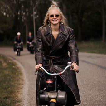 Solex rijden corona proof uitje - Het Drents Kwartiertje - Solex Huren / Rijden - Dafje Huren / Rijden - Groepsactiviteiten, workshops, teambuilding en trainingen Drenthe