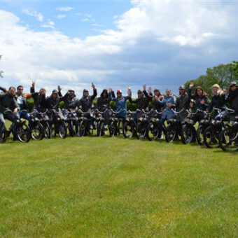 Uitje Drenthe solex rijden - Het Drents Kwartiertje - Solex Huren / Rijden - Dafje Huren / Rijden - Groepsactiviteiten, workshops, teambuilding en trainingen Drenthe
