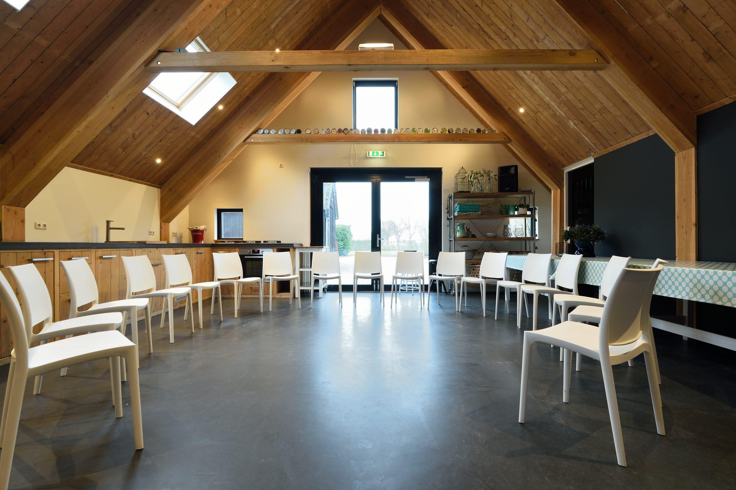 Vergaderlocatie Drenthe scaled - Het Drents Kwartiertje - Solex Huren / Rijden - Dafje Huren / Rijden - Groepsactiviteiten, workshops, teambuilding en trainingen Drenthe