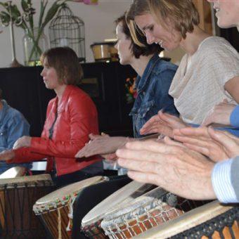 Een djembé workshop staat garant voor een actief en een muzikaal uitje in Drenthe.