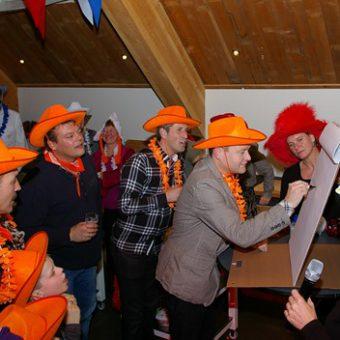 Ik hou van Holland is een gezellig en afwisselen spel voor een bedrijfsfeest of een familiedag.