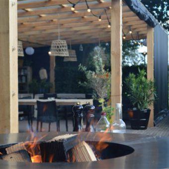 Outdoor cooking op de Ofyr bij het Drents kwartiertje.