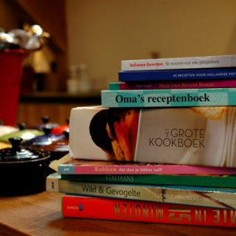 Samen kokkerellen in de kookstudio bij het Drents kwartiertje.
