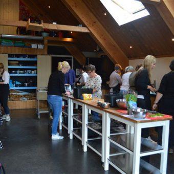 kookstudio Drenthe 36 1 - Het Drents Kwartiertje - Solex Huren / Rijden - Dafje Huren / Rijden - Groepsactiviteiten, workshops, teambuilding en trainingen Drenthe