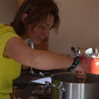 Kokkerellen in kookstudio hartje Drenthe; een gezellig uitje met vrienden of collega's.