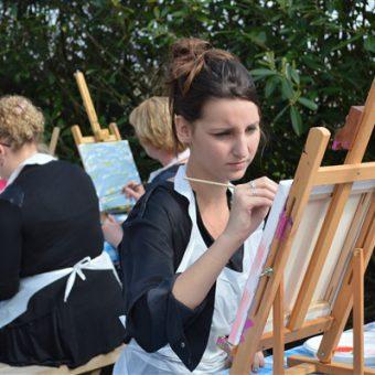 Creatief en gezellig uitje; samen schilderen in hartje Drenthe.