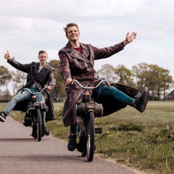 Solex rit over de Drentse hooglanden. Leuke activiteit voor jullie dagje uit in Drenthe.