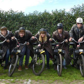 Dafje uit in Drenthe en solex rijden bij het Drents kwartiertje. Solex huren Drenthe.