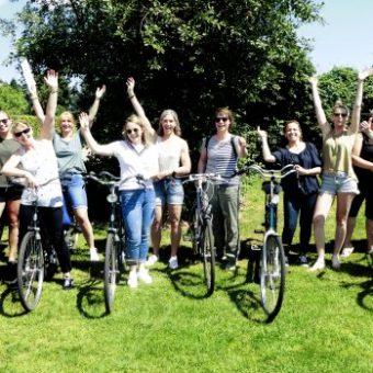 Tandem fietstocht in Drenthe. de omgeving verkennen tijdens een fietstocht of een puzzeltocht op de fiets.
