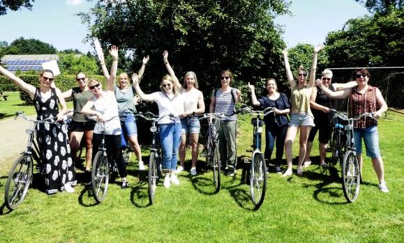 tandem rijden 1 1 - Het Drents Kwartiertje - Solex Huren / Rijden - Dafje Huren / Rijden - Groepsactiviteiten, workshops, teambuilding en trainingen Drenthe