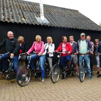 tandem uitje e1608544254479 - Het Drents Kwartiertje - Solex Huren / Rijden - Dafje Huren / Rijden - Groepsactiviteiten, workshops, teambuilding en trainingen Drenthe