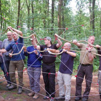 teambuilding met activiteiten om samen te werken.